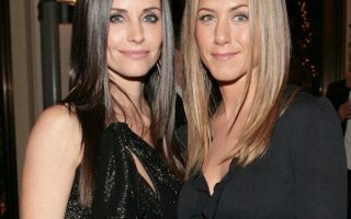 Jennifer Aniston and Courtney Cox